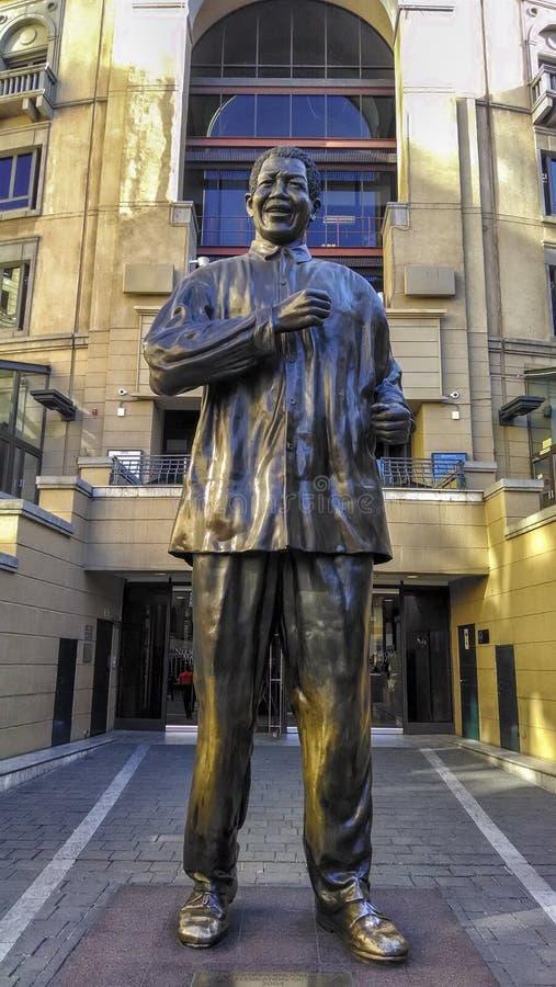 Nelson Mandela-standbeeld in Zuid-Afrika royalty-vrije stock afbeeldingen