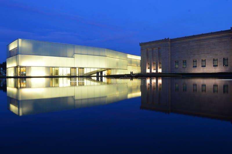 Nelson Museum på natten arkivfoto