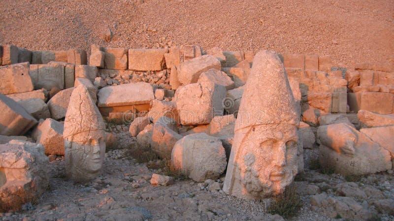 Nemrut Dagı Milli Parki, Mount Nemrut with ancient statues heads og the king anf Gods royalty free stock photos