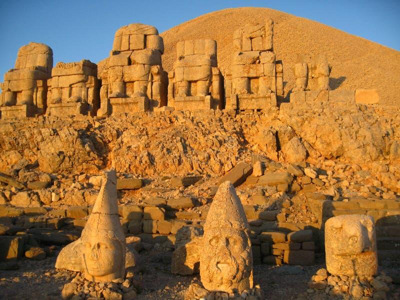 Nemrut Dagı Milli Parki, Mount Nemrut with ancient statues heads og the king anf Gods. NemrutorNemrud Turkish:Nemrut Dag high mountain in stock image