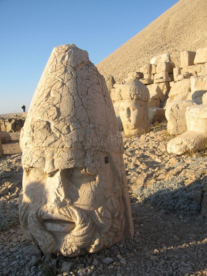 Nemrut Dagı Milli Parki, el Monte Nemrut con las estatuas antiguas dirige el og dioses del anf del rey imágenes de archivo libres de regalías