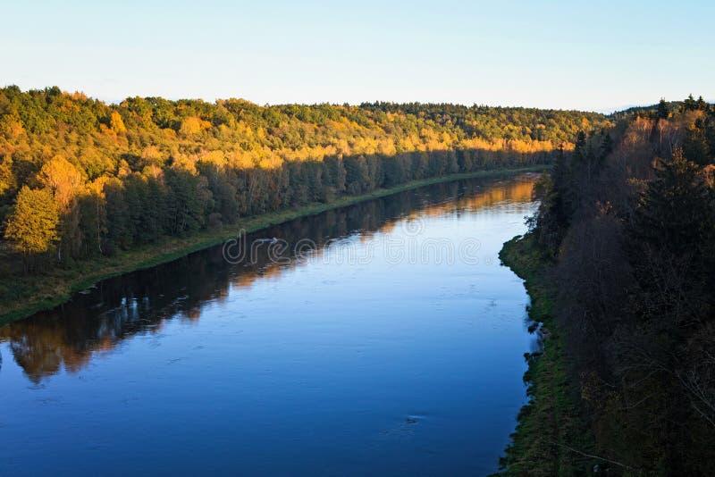 Nemunas, ο μεγαλύτερος ποταμός στη Λιθουανία, κοντά στο Αλύτους στοκ εικόνα