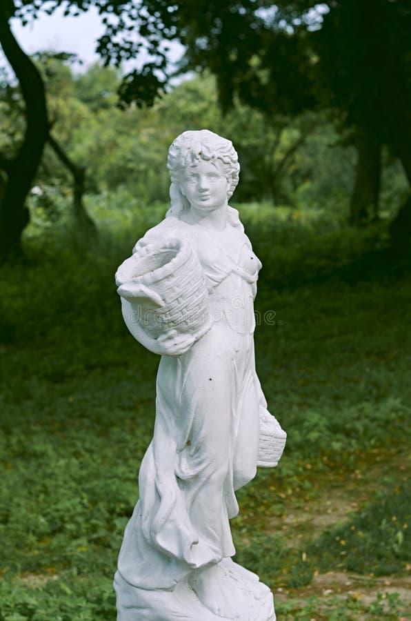 Nemyryntsi by Skulpturer royaltyfri foto