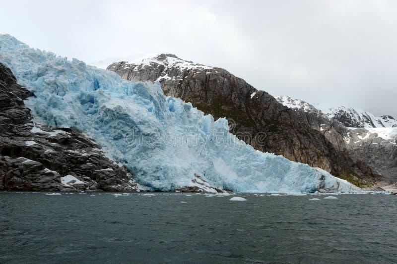Nena Glacier no arquipélago de Tierra del Fuego foto de stock royalty free