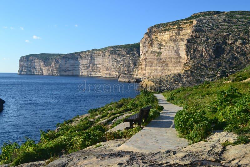 Nenhum melhor lugar para relaxar Gozo em Malta imagens de stock