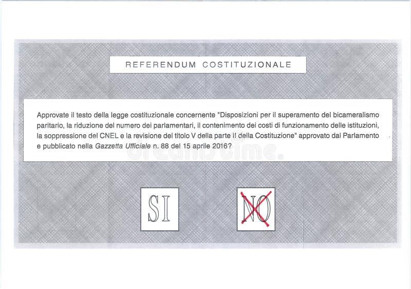 NENHUMA cruz no voto vermelho na cédula italiana fotografia de stock royalty free