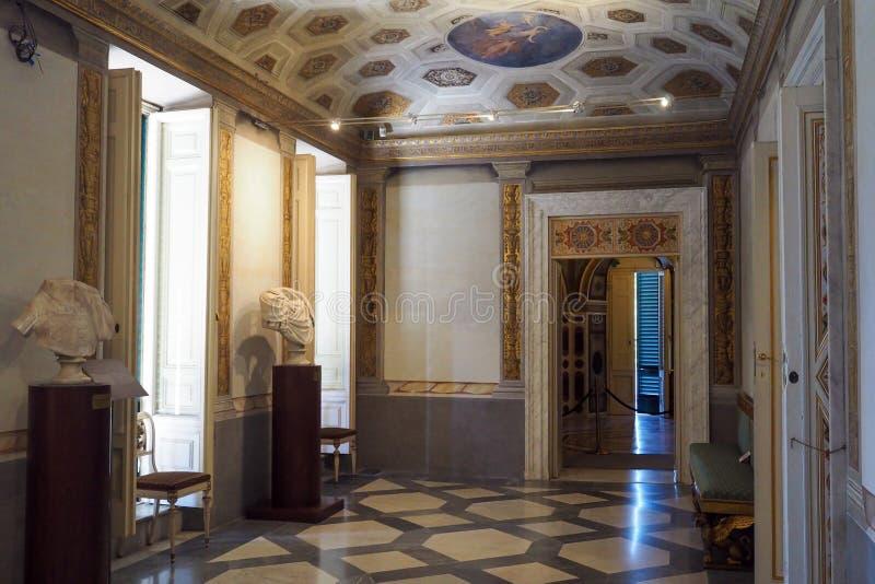 Neoklassiek paleis van Villa Torlonia in Rome, Italië stock afbeelding