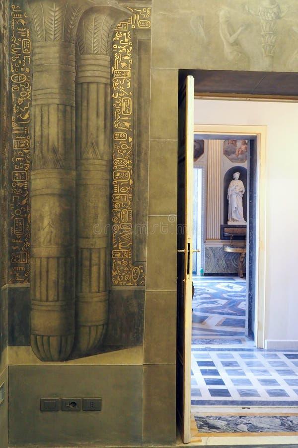 Neoklassiek paleis van Villa Torlonia in Rome, Italië royalty-vrije stock foto's