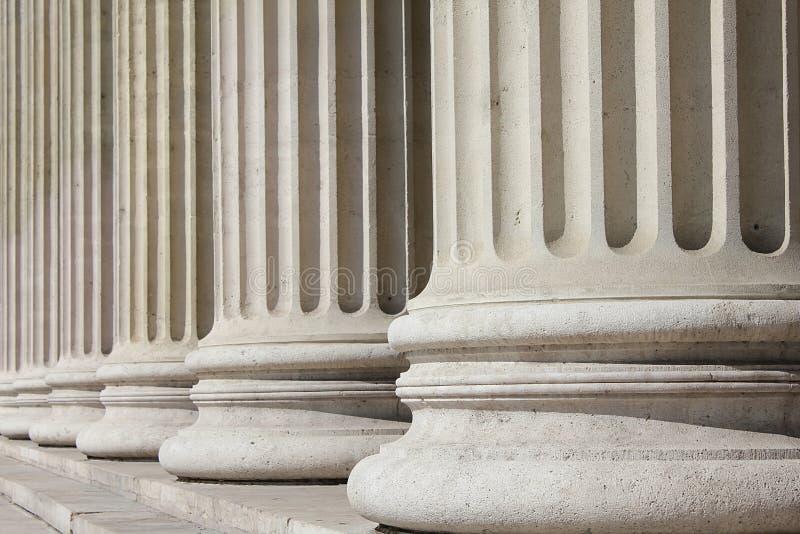 Neoklasyczne kolumny - biznesowy pojęcie zdjęcia stock