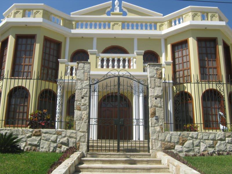 Neoklasyczny dom zdjęcia royalty free