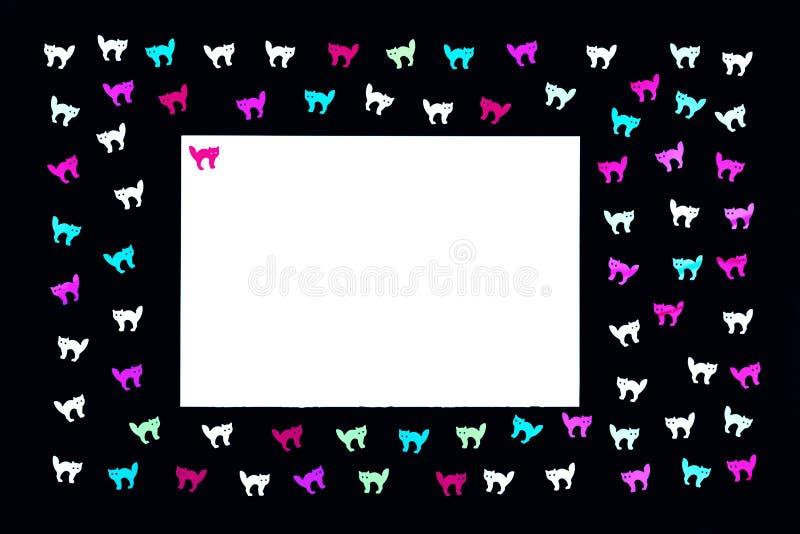 Neonkatzen auf schwarzem Hintergrundmuster lizenzfreies stockbild
