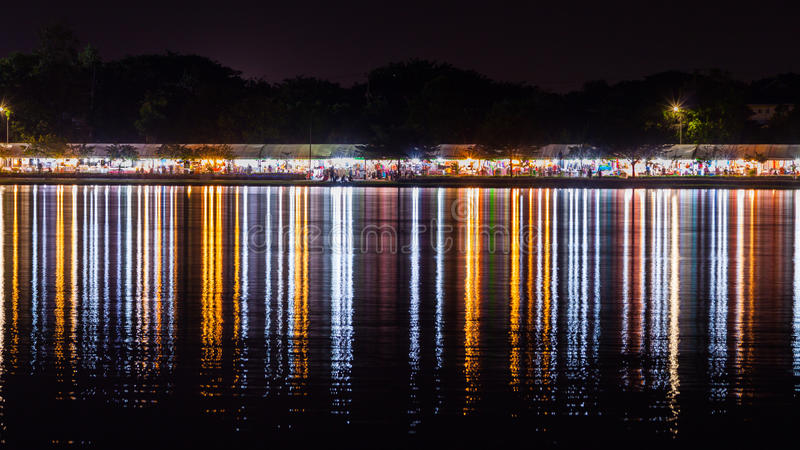Neonlichtbezinning  stock afbeeldingen