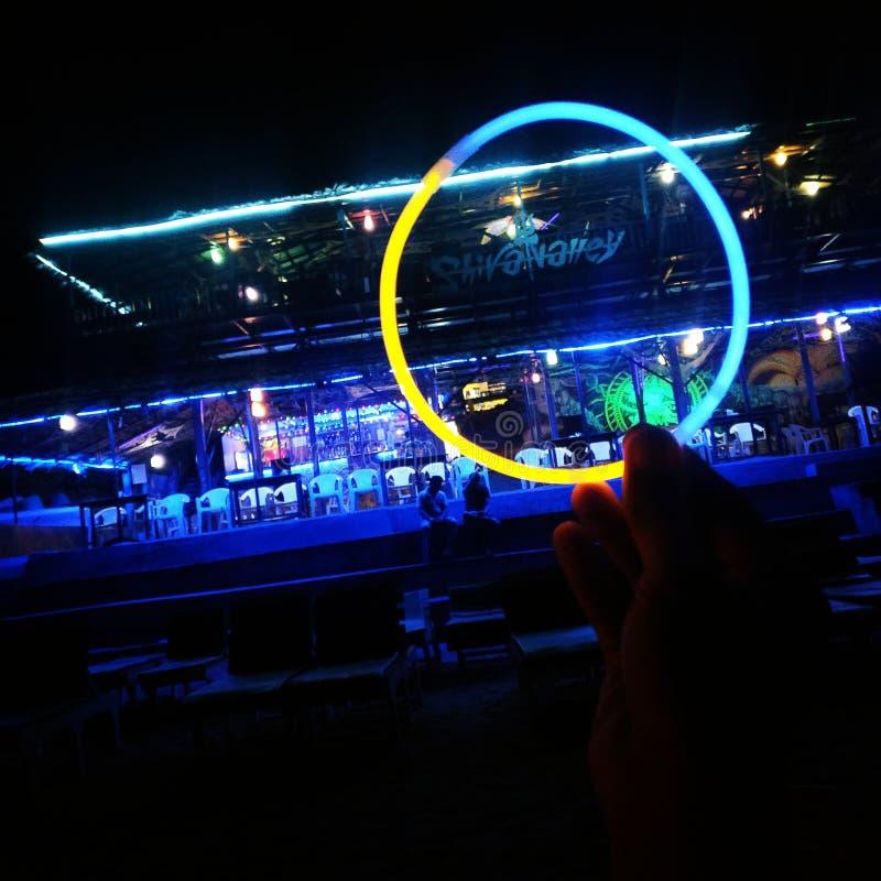 Neonowego światła chałupy plaży goa shiva dolinnego transu muzyczny wysoki nigjt out zdjęcie stock