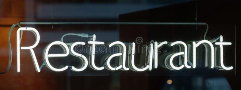 Neonowy znak - restauracja fotografia stock