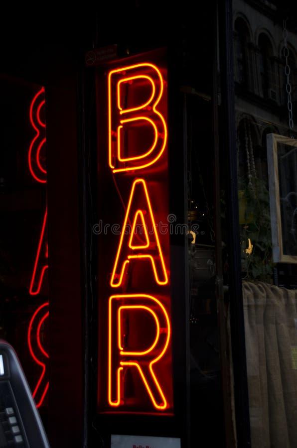 Neonstångtecken arkivbilder