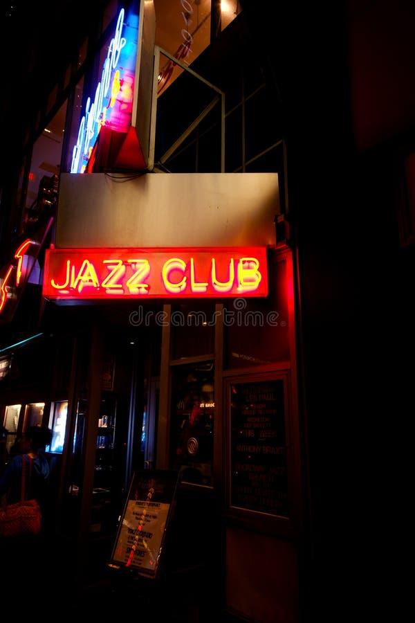 Neonteken voor Jazz Club in Manhattan stock afbeeldingen
