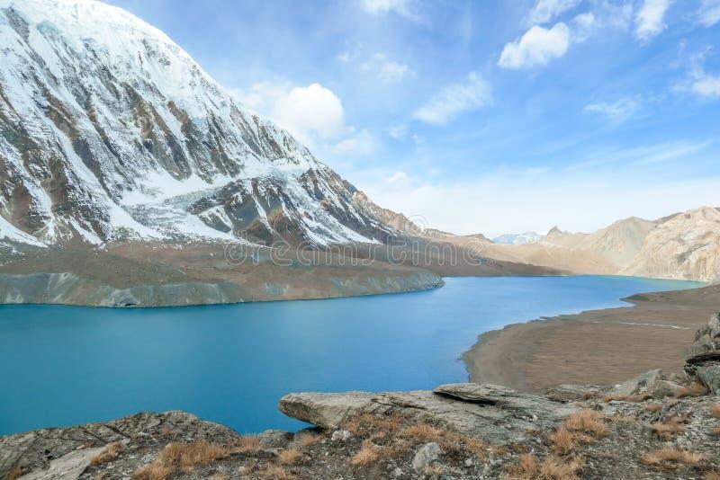 Nepal - bewölkter Tilicho See lizenzfreies stockbild