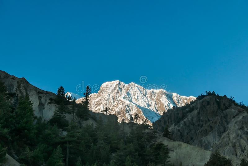 Nepal - Himalayas omr royaltyfri foto