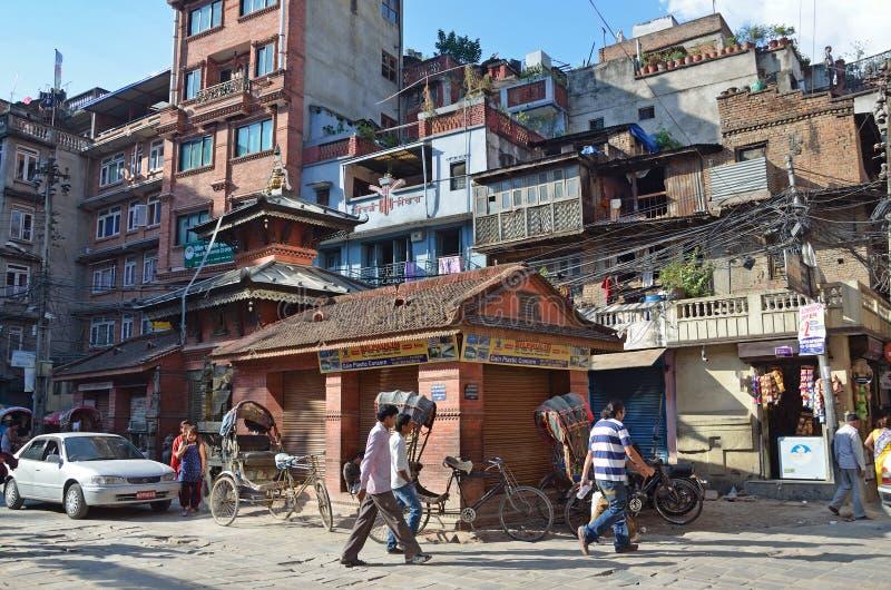 Download Nepal, Katmandu, Octubre, 12, 2013 Gente Que Camina En El Centro Histórico De Katmandu Destruido Parcialmente Durante El Terremot Foto editorial - Imagen de cuadrado, azotea: 64205426