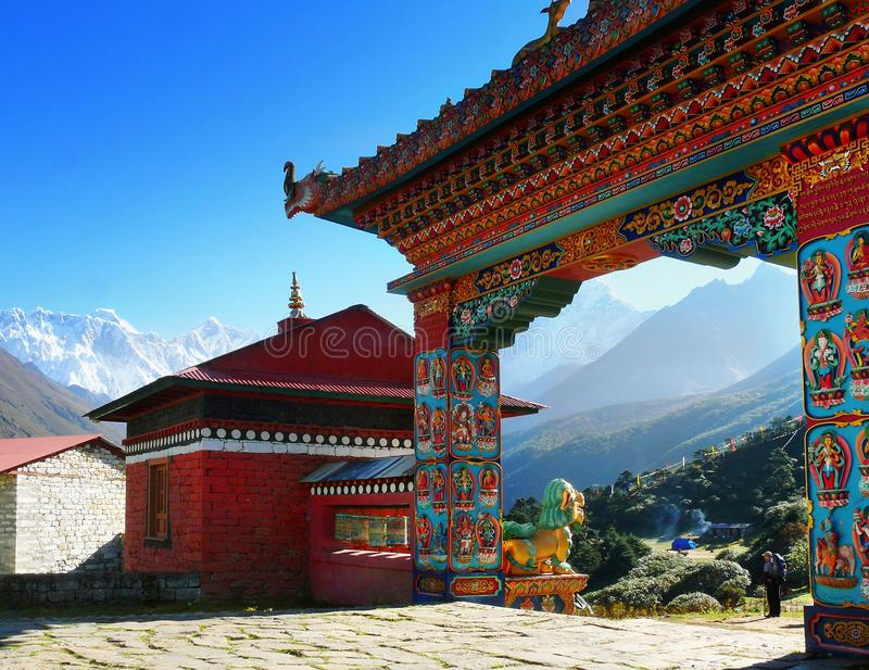 Nepal, Kloster, niedriges Lager-Spur Everest lizenzfreies stockfoto