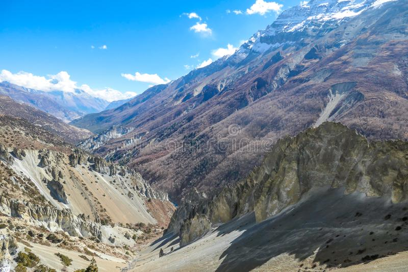 Nepal - Trek in Annapurna-Kring, Himalayagebergte stock afbeelding