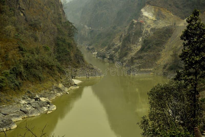 Nepal väg till den Chitwan nationalparken arkivbild
