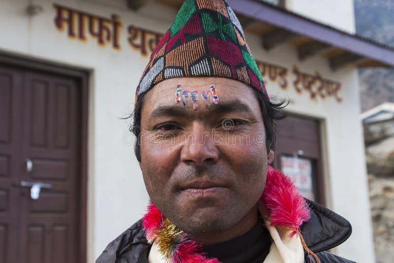 Nepalese während ein der Festivals stockbilder