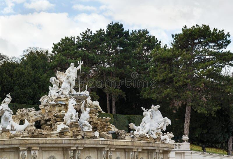 Neptun-Brunnen im schonbrunn, Wien lizenzfreies stockfoto