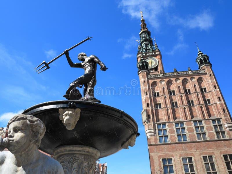 Neptun-Brunnen und Rathaus in Gdansk, Polen stockbild