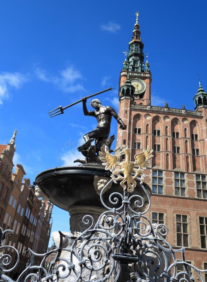 Neptun-Brunnen und Rathaus in Gdansk, Polen stockbilder
