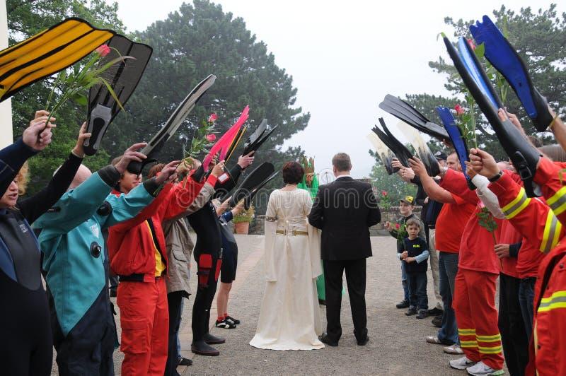 Neptun spezielle Feier für gerade verheiratete Taucher lizenzfreies stockbild