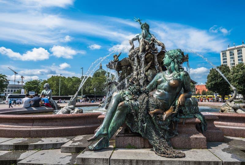 Neptunbrunnen of de fontein van Neptunus bij Alexanderplatz-vierkant, Berl royalty-vrije stock foto's