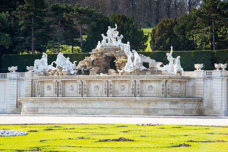 Neptune fontanna przy Schonbrunn pałac, Wiedeń obrazy stock