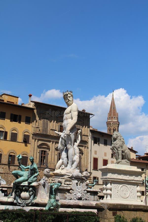 Neptunspringbrunn på den Signoria fyrkanten i Florence Foto som tas Augusti 3, 2016 i Florence, Italien royaltyfri fotografi