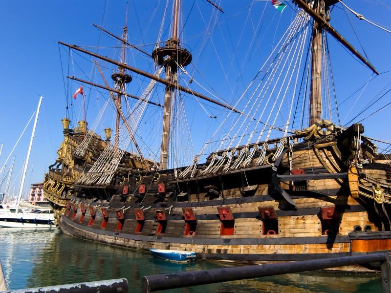 Neptunus galeon in Genua royalty-vrije stock fotografie