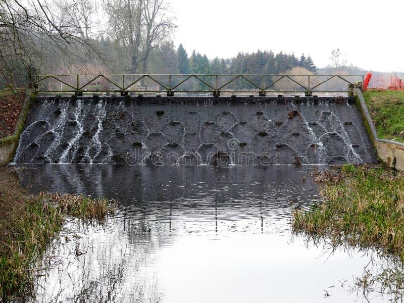 Neptunvattenfallet på Latimer parkerar arkivbilder
