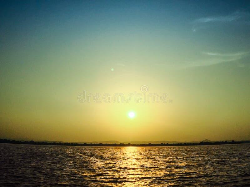 ner sun royaltyfri bild