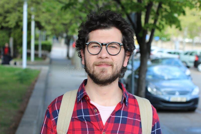 nerd de 30 años afuera fotografía de archivo libre de regalías