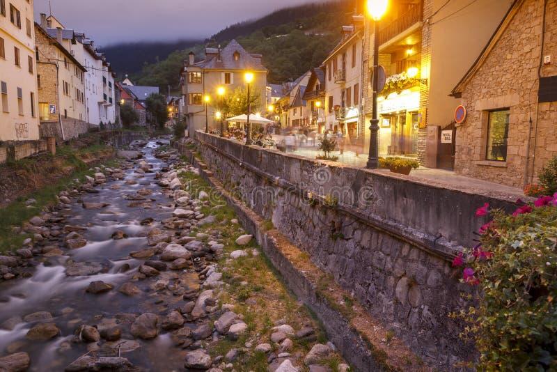 Nererivier in Vielha, Catalonië, Spanje stock fotografie