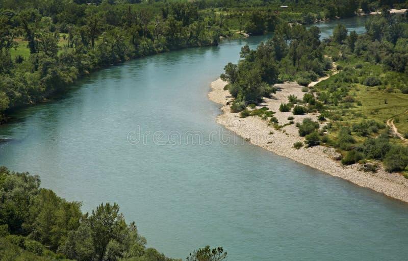 Neretva flod nära den Pocitelj byn stämma överens områdesområden som Bosnien gemet färgade greyed herzegovina inkluderar viktigt, arkivbilder