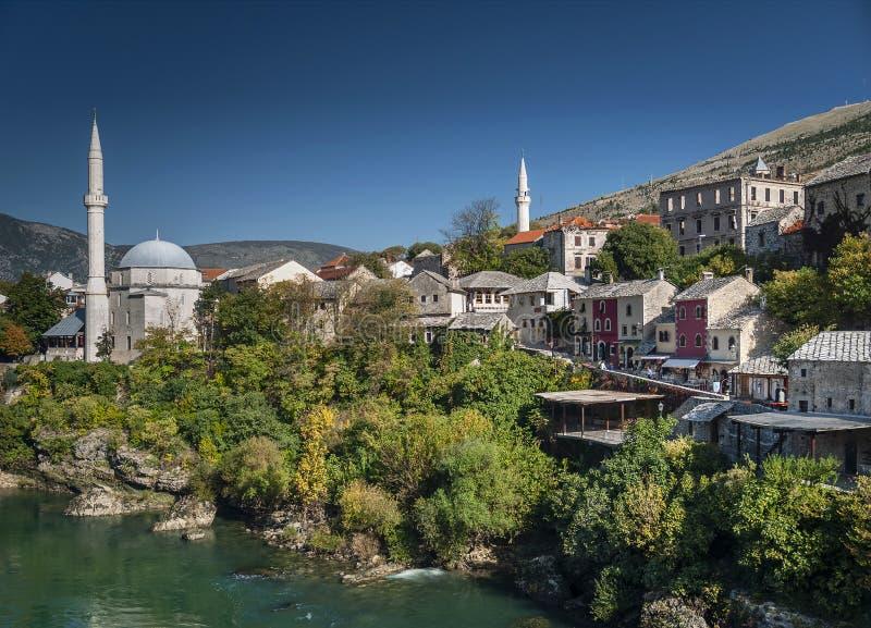 Neretvarivier en oude stad van mostar bosnia mening royalty-vrije stock foto