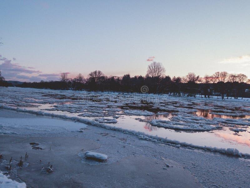 Neris rzeka podczas zmierzchu zdjęcia royalty free