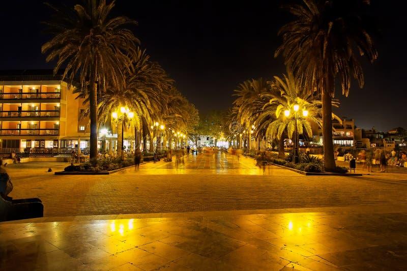 Nerja en la noche, España imágenes de archivo libres de regalías