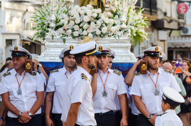 NERJA, ESPAGNE - 16 juillet 2018 défilé annuel dans l'Andalu côtier images libres de droits