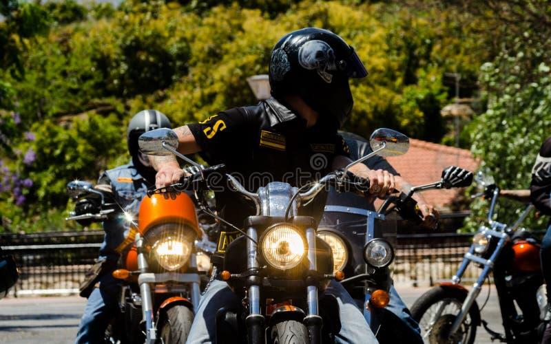 NERJA HISZPANIA, CZERWIEC, - 10, 2018 motocyklu wiec w sławnym Anda fotografia stock