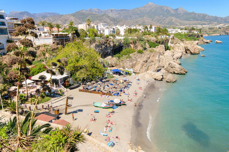 Nerja wyrzucać na brzeg, sławny turystyczny miasteczko w Costa Del Zol, MÃ ¡ laga, Hiszpania obraz royalty free