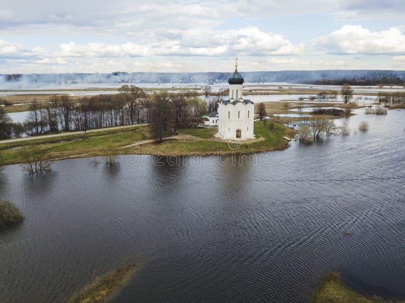 nerl intercession церков Россия Земля вида с воздуха стоковая фотография rf