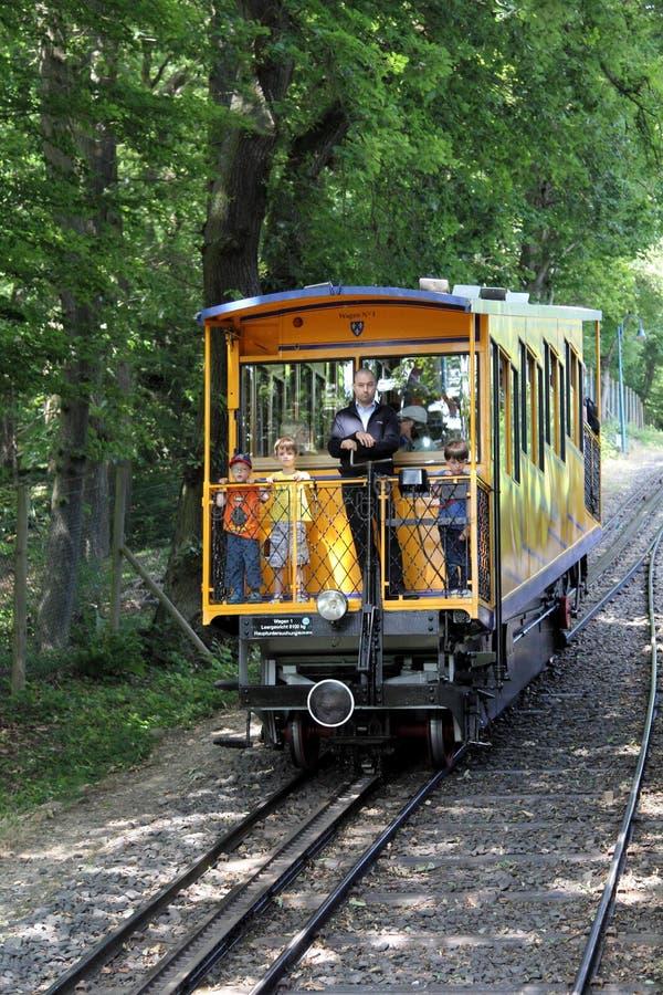Neroberg山火车在威斯巴登,德国 库存照片