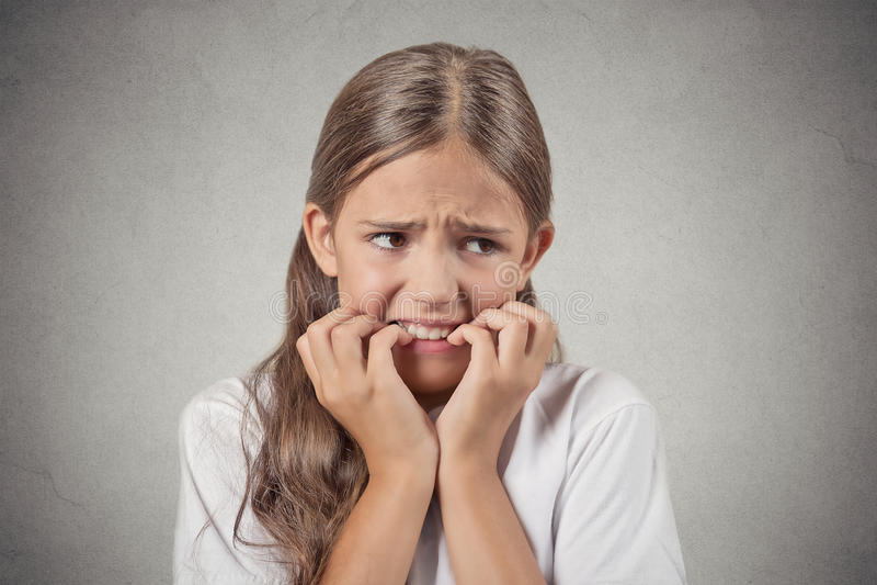 Nervös angelägen stressad tonåringflicka royaltyfri foto