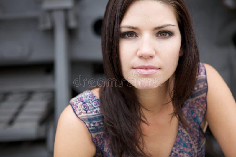 Nervöses Mädchen Mit Einem Rosafarbenen Hintergrund Stockbilder